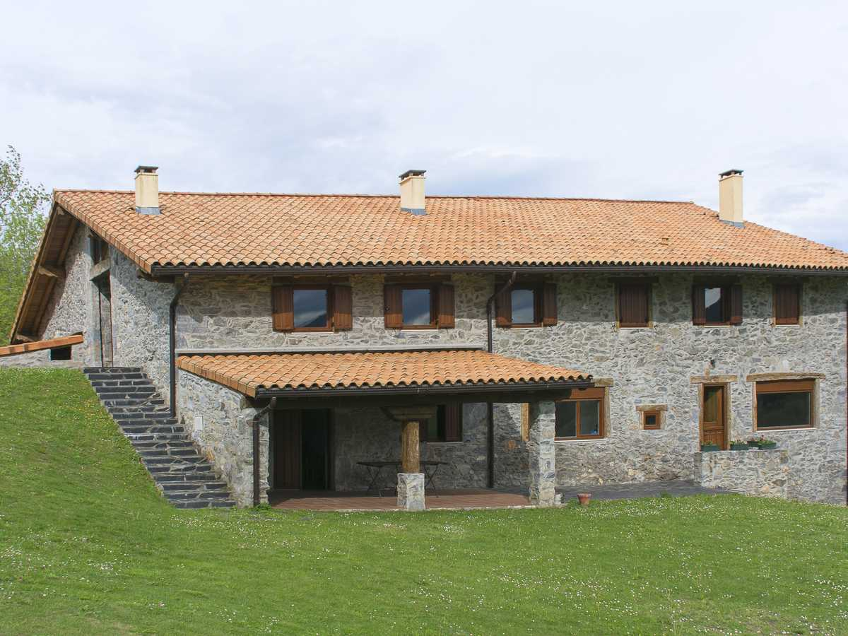 Finca en venta en igantzi navarra zona centro ref 2066 - Comprar casa en hendaya ...